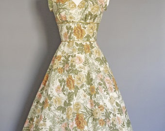 UK Size 12 Vintage Blush Floral Sweetheart Tea Dress - Made by Dig For Victory