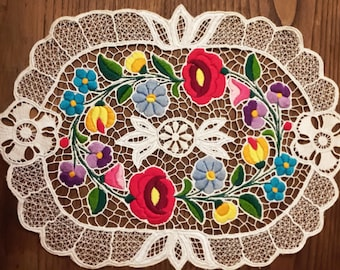 Embroidered doily/LACE, Richelieu/doily with authentic Hungarian embroidery pattern