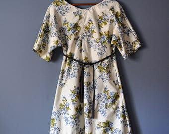 Upcycled Vintage Floral Print Tunic Dress for Spring/Wearable Art Tunic Top/Dress/Size Small/Medium