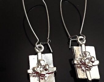 Vintage pewter gift package In a Kidney Drop Wire Earrings pierced  earrings /ER