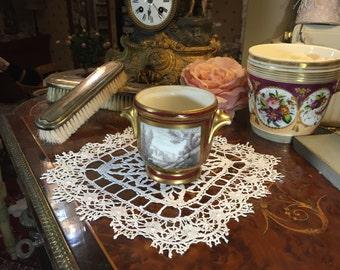 """Porcelain pot with a """" grisaille"""" landscape"""