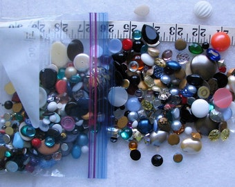 Lot Of 100+ Loose Lucite & Glass Stones Jewelry Repair 3