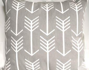 SALE Pillow cover Gray and white Arrow Pillow case, Gray pillow geometric pillow, Decorative Pillow 20x20, 18x18, 16X16, 14x14, 12x12, 10x10