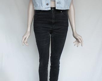 90's Vintage Sturdy Light Blue Denim Sleeveless Jean Vest - for Men or Women