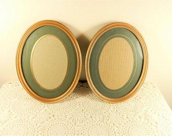 Vintage Oval Photo Frames, Old Fashioned Picture Frames, Oval Frames, Gold Frame, Green Mount