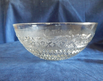 "Vintage Anchor Hocking ""Sandwich"" Glass Fleur DeLis Pattern Punch Bowl"