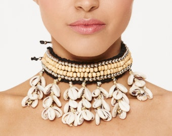 COWRIE Shell Choker Necklace Beaded