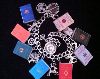 Deluxe Outlander Mini Book and Charms Bracelet