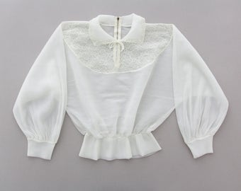 Vintage Blouse // White Sheer 40's Blouse // Lace Cropped Top // Tulip Top