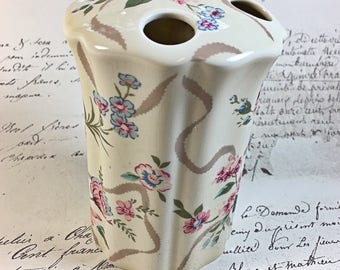 Vintage Waverly floral pattern toothbrush holder roses pink blue green ribbons