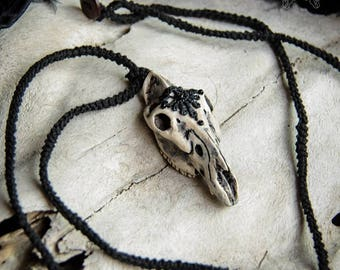 Stallion skull pendant with flowers and necklace