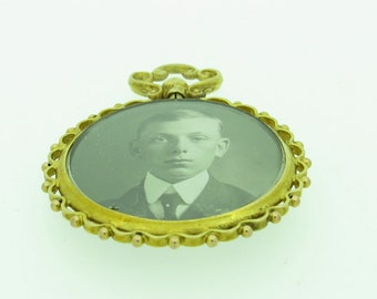 9ct gold picture locket - dated 1915 Glasgow (SKU390)