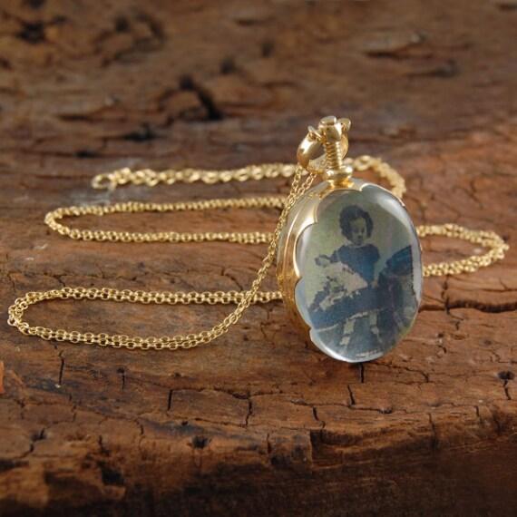 Locket gold oval locket locket pendant gold necklace te gusta este artculo aloadofball Images