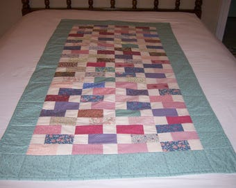 Baby Quilt, Toddler Quilt, Youth Quilt, Boy or Girl Quilt, Pieced Quilt, Mint Green Quilt