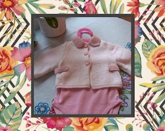 Jacket has collar pink
