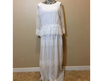 Vintage White Lace Wedding Dress | Boho Wedding Dress | Lace Wedding Dress | Long Sleeve Wedding Dress | Vintage Wedding Dress