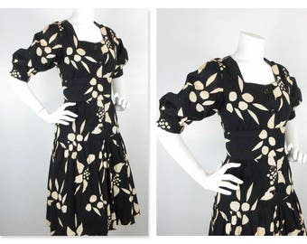 Vintage 1960s 1970s Tiered, Drop Waist Dress / Linen Blend / Lined / Mermaid, Fishtail / Graphic Black and White / Size Medium, M