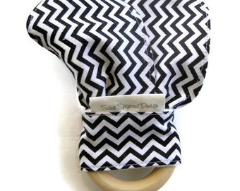 Monochrome Baby Gift- Wood TEETHER for Baby- Chevron Baby Teether- Organic Baby Teether- Natural Baby Teething Toy- Made in Canada Baby Gift