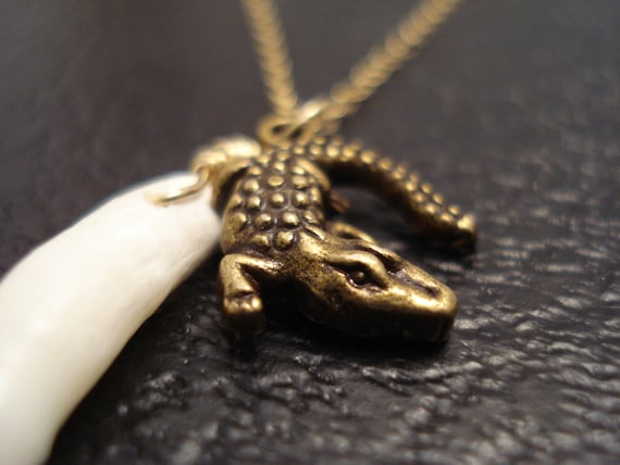American alligator necklace genuine alligator tooth necklace mozeypictures Choice Image