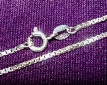 "22"" Medium to heavy Weight 028 BOX Chain in STERLING Silver"