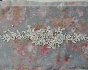 Bridal ivory flowers lace necklace