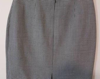 Beautiful vintage business skirt