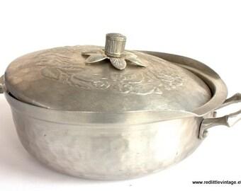 Farmhouse Style, Farmhouse Cookware, Casserole, Rustic Kitchen Decor, Casserole Dish, Country Cooking Pans, Modern Rustic Kitchen Decor