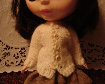 Blythe Ivory Button Cardigan for Pullip Too!