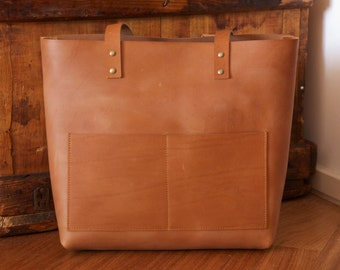 Camel Leather tote bag with double outside pocket. Cap Sa Sal Bag. Handmade.