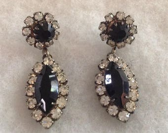 Vintage Black Stone MARQUISE PIERCED EARRINGS