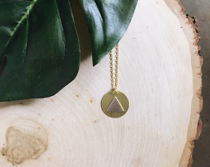 Trinity Necklace // Circle Triangle Necklace // Geometric Layering Necklace // Circle Necklace // Minimal Geometric Necklaces // Geo Supply