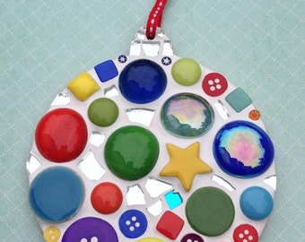 Fun Lily Mosaics D.I.Y. Mosaic Christmas Bauble Kit for adults and children