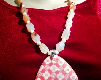 Carnelian and Mother of Pearl Set