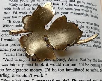 60s Leaf Brooch, Leaf Pin, Gold Pin, Metal, 1960s, Vintage Brooch, Broach, Vintage Pin, Golden Leaf, Leaf Pin, 60s Pin, 60s Brooch