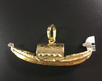 14K yellow gold godola boat pendant