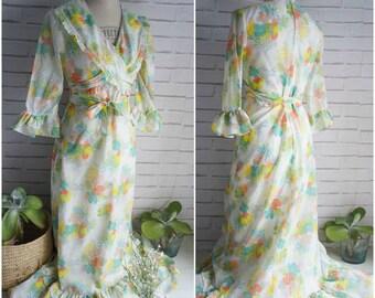 Jane Austen Style Vintage Maxi Dress - Pastel Floral pattern - Romantic style Maxi Dress 70s