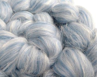 Shetland and Flax Blended Roving - Fibres for Felting - Fibers for Spinning - Shetland Tops - British Wool - Blue and White 100g (3.5 oz)