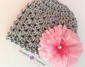 Newborn girl beanie.. Flower hair clip.. Photography prop.. Ready to ship