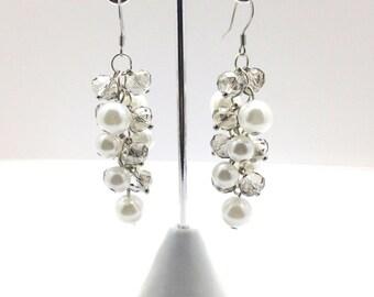 White Pearl Cluster Earrings, Pearl Earrings, Pearl Cluster , Crystal Earrings, White Pearl Earrings