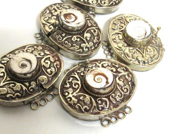 1 clasp - Large ethnic Tibetan silver shell inlaid statement clasp pendant  from Nepal - LN033