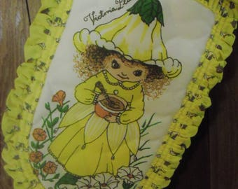 Victoria Plum Pot Holder Mitt by W.N. Sharpe, LTD  1981