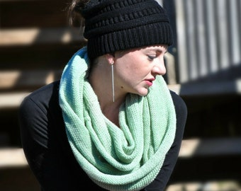 Knit Infinity scarf, winter scarf, Green scarf knit, womens scarves,  Green winter scarf, Knitted scarf, Wool scarf, green hand knit scarf,