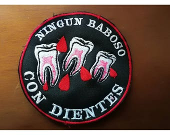 Feminist patch embroidered in threads/no slimy teeth 10 cm