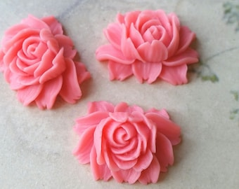 25 x 20 mm Pink Resin Flower Cabochons  (.ng) (zzb)