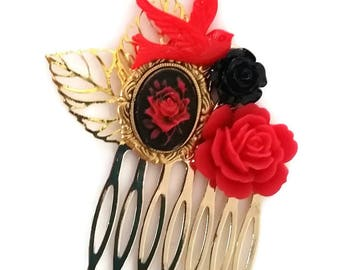 Red Rose Small Cluster Hair Comb -Hair Fascinator-Offbeat Wedding-Cool Bride-Bridal Party-Fashion Accessory-Golden Hair Comb-Pretty Comb