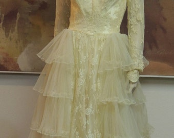 1950s Alfred Angelo Original designed by Edythe Vincent  Wedding Gown never worn in Candle Light Yellow size XS-S