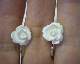 Play Earring - Clip or Pierced - White Rosebud - 3/8""