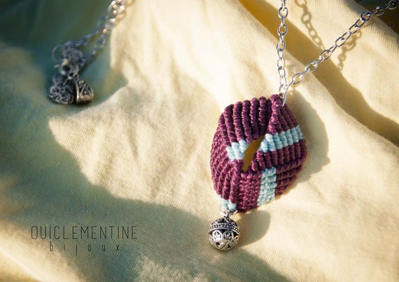 Small geometric necklace