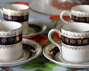 Vintage Crown Ducal AG.R.  Demitasse cups and saucer (set of4)
