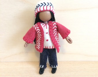 Suzie - Dollhouse doll - Miniature doll - Bendy doll - Faceless doll - Waldorf doll - Montessori - home school - natural doll